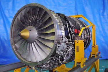 Вибрация двигателя самолета